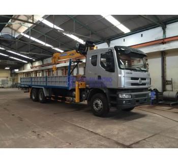 Xe tải Chenglong gắn cẩu Soosan 7T